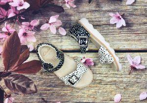 Giày Sandal Bé Gái - Chấm Bi